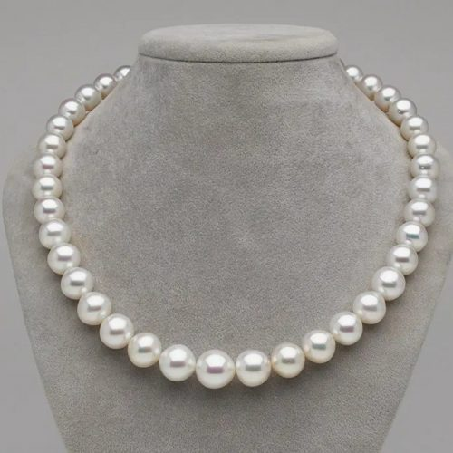 Practical and Fun Ways to Wear Long Pearl Necklaces